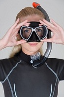 Tauchermaske nutzen zum Schnorcheln