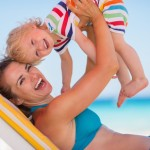 UV Schutz Kleidung Baby (©Alliance/fotolia)