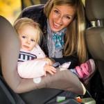 Sonnenschutz Auto Baby (©mathom/fotolia)